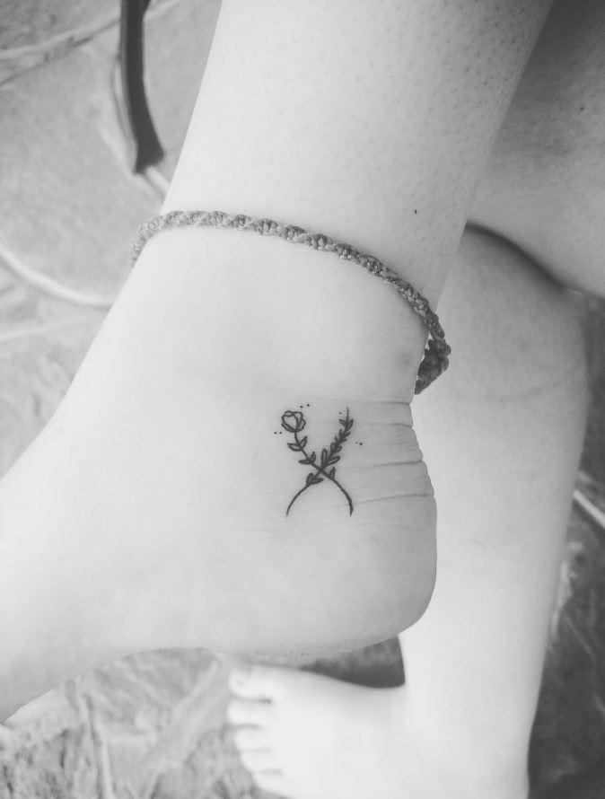 Gorgeous Black & Gray Tiny Tattoo Ideas